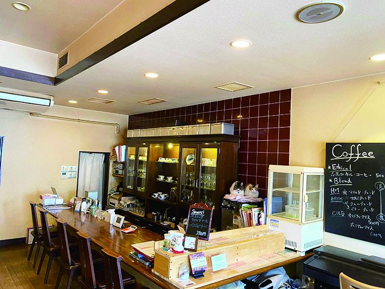 >コーヒーと音楽が出会う場所「ルーク・カフェ」でお待ちしております。